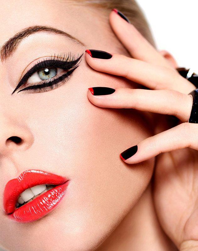 Black Red Beauty Look