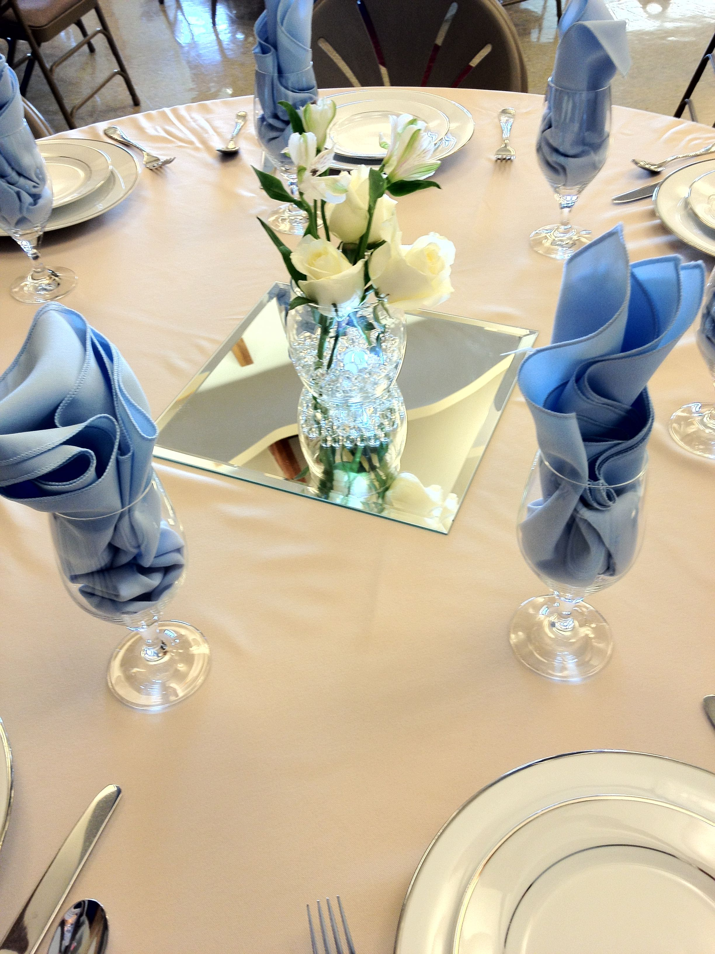 Formal birthday party table decor tables th parties celebration also gold napkins and centerpiece rh ar pinterest