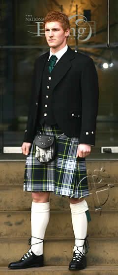 red head in a kilt be still my heart I love my fellow Scots in kilts with read hair