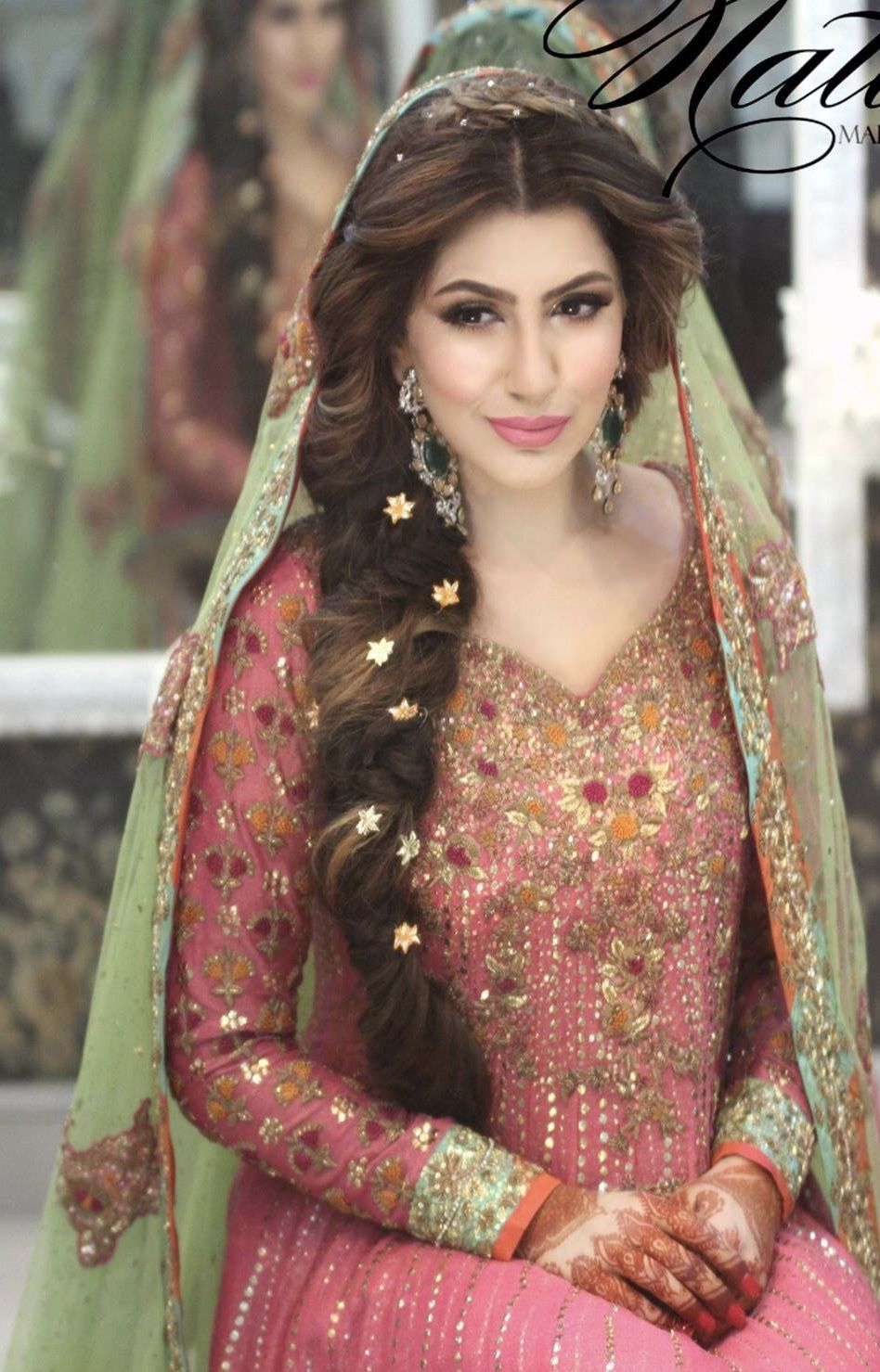 mehndi bride hairstyle | gorgeous n charming bridez in 2019