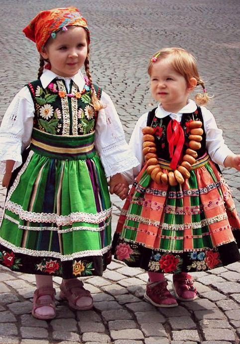 Little girls in Polish folk costumes - Łowicz