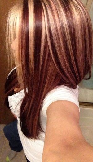 Chunky Blonde Highlights On Dark Red Hair Auburn Blonde Hair Hair Styles Red Hair With Highlights
