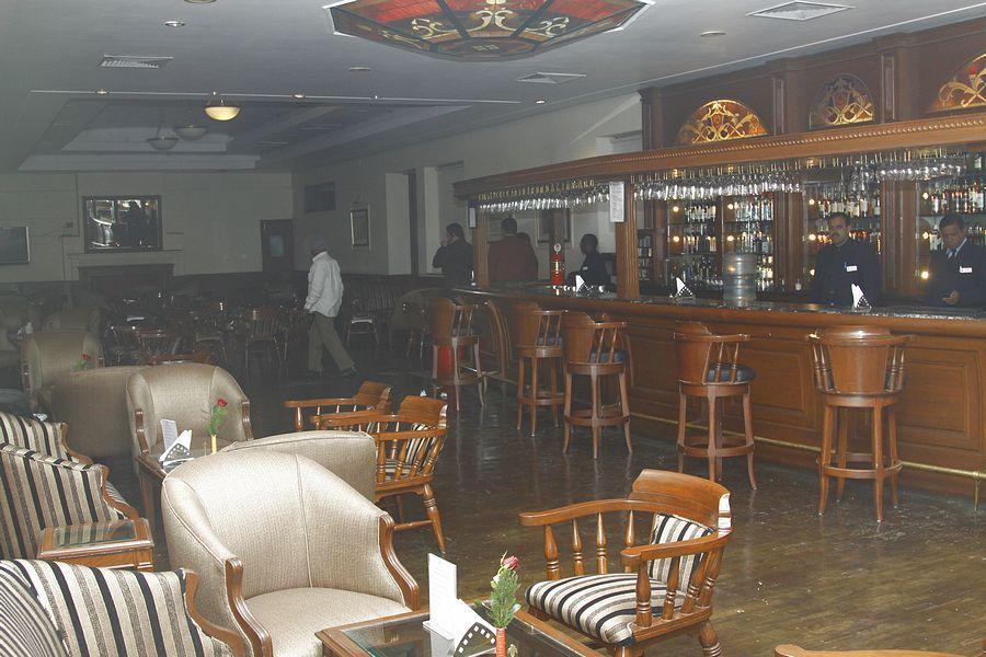 Delhi Gymkhana Club, Bar & Restaurant | Restaurant bar, Restaurant ...