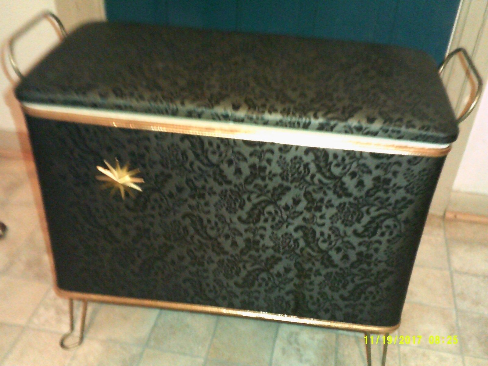Retro Venus Type Lidded Bench Clothes Hamper Ebay Clothes