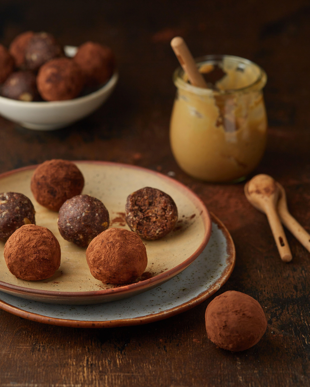 Healthy Brownie Balls كريات البراوني الصحية Healthy Brownies Balls Recipe Brownie Balls