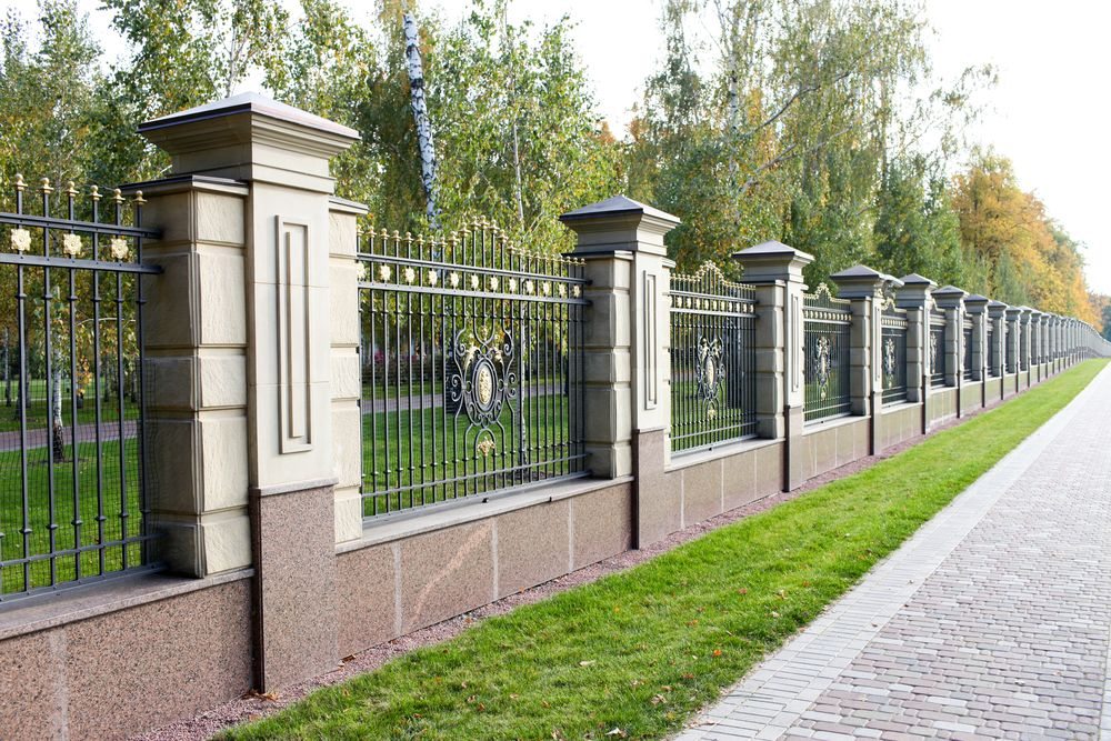 Perimeter Fence Design 25 garden fences in varied styles and materials garden fencing and 25 garden fences in varied styles and materials garden lovers club workwithnaturefo