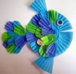 Rainbow Fish made from cupcake liners