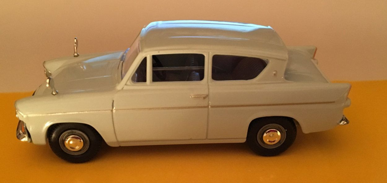 Vanguard S Ford Anglia Pale Blue Boxed Va1011 By Dadsden On Etsy Ford Anglia Toy Car Blue Box