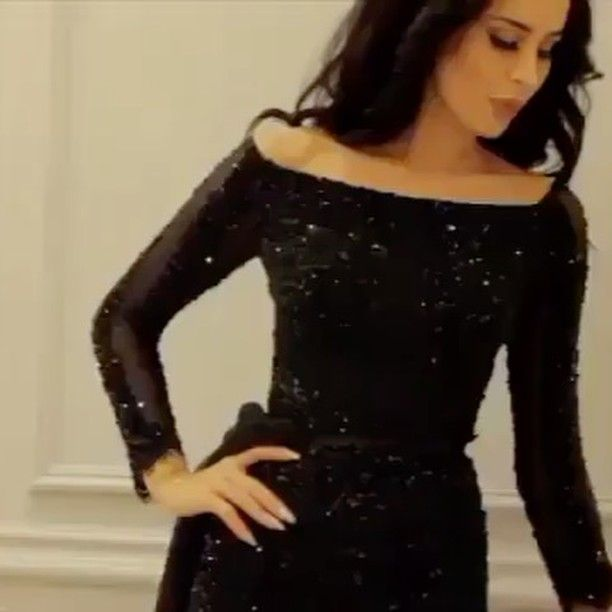 اذا عجبك الفستان نتشرف باستفسارك واتس اب 00966570145266 نشر لايكات تبادل تصاميم فساتين فستان بوتيك ورق عنب Little Black Dress Black Dress Fashion