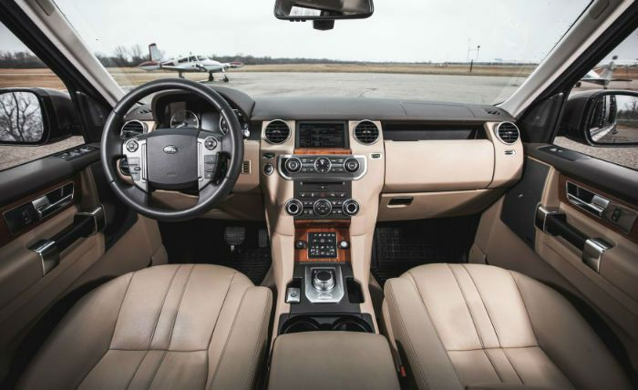2017 Land Rover LR4 Interior