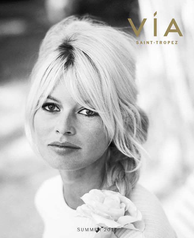 Brigitte Bardot Est En Couverture Du Magazine Via Saint Tropez été 2017 Actualités De Brigitte Bardot Brigitte Bardot Bardot Flowers In Hair
