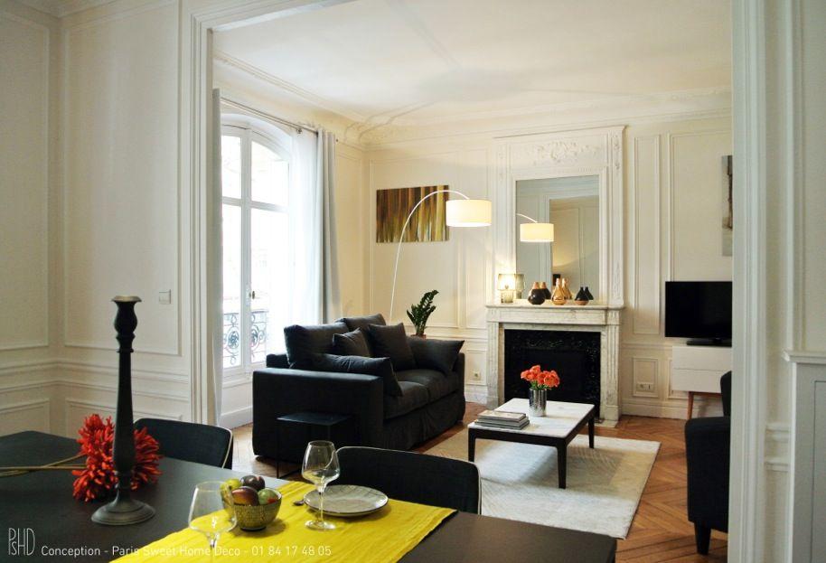 Salon haussmannien parisien et espace salle manger for Salon haussmanien