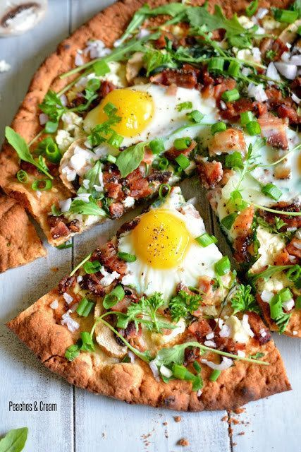 Arugula, Mushroom & Goat Cheese Breakfast Pizza | 18 Breakfast Pizzas That Want To Wake Up Next To You