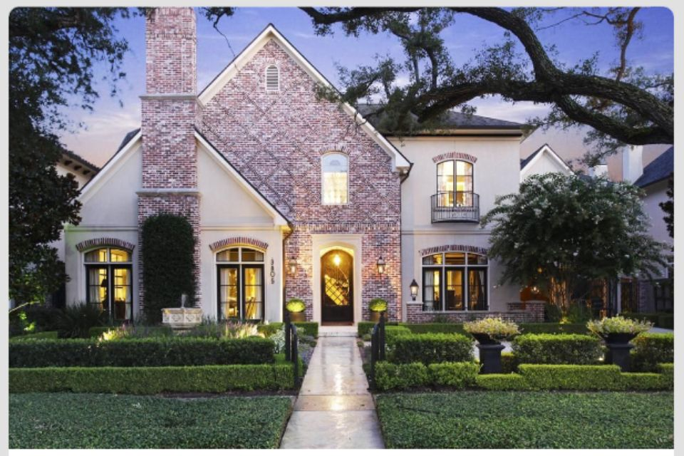 White washed brick and stucco beautiful homes white - How to whitewash brick house exterior ...