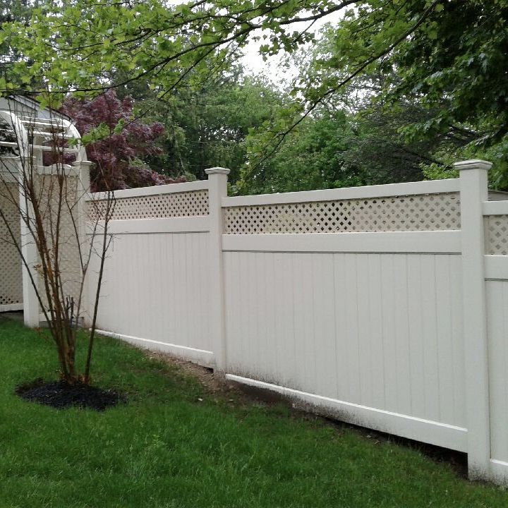Best 6 Tan Infinity With Privacy Lattice Top Pvc Fence Stepped 640 x 480