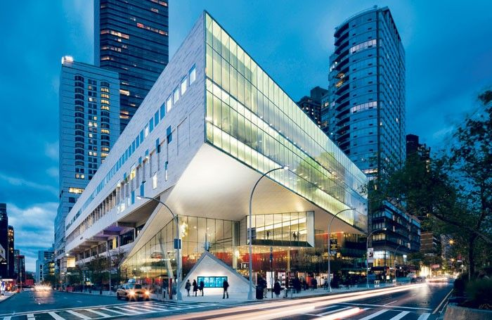 The Juilliard School On 65th Street And Broadway In 2016 17 90 Of Its Full Time Students Are Receiving Financial Aid Photo Chris Cooper