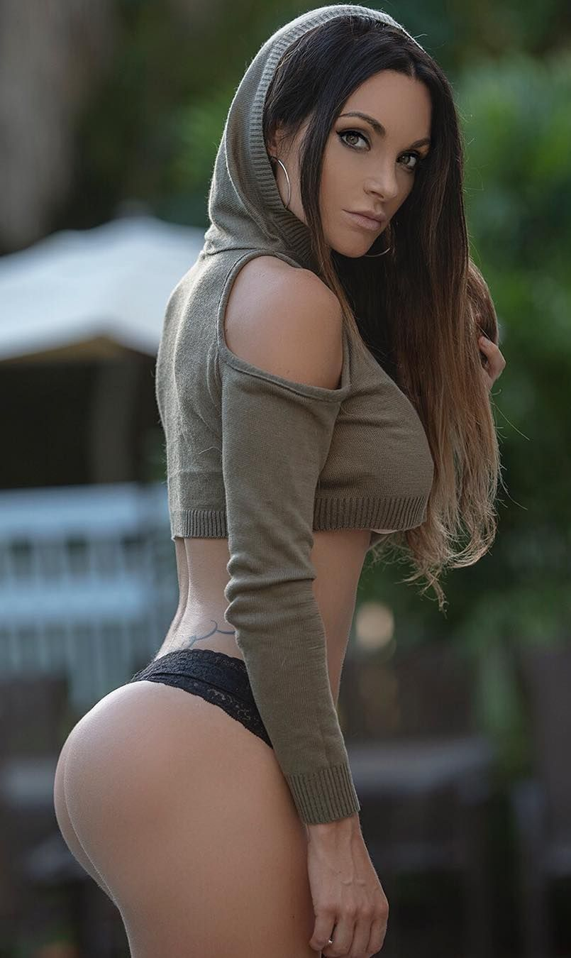 Nienna Jade (gorgeous American fitness model and athlete with Fitness Gurls  Magazine b752b20db