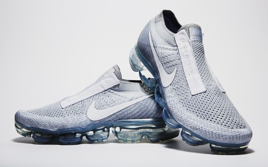 Nike Air VaporMax Laceless Pure Platinum | AQ0581-002  Release Date: December 1, 2017 Price: $200 Style Code: AQ0581-002 Colors: Pure Platinum/White  #vapormax #nike #gym #fashion #style #mensfashion Milan Fashion Weeks, New York Fashion, Runway Fashion, Fashion Tips, Nike Fashion, Fashion Models, Shoes Sneakers, Sneakers Fashion, Shoes Sandals