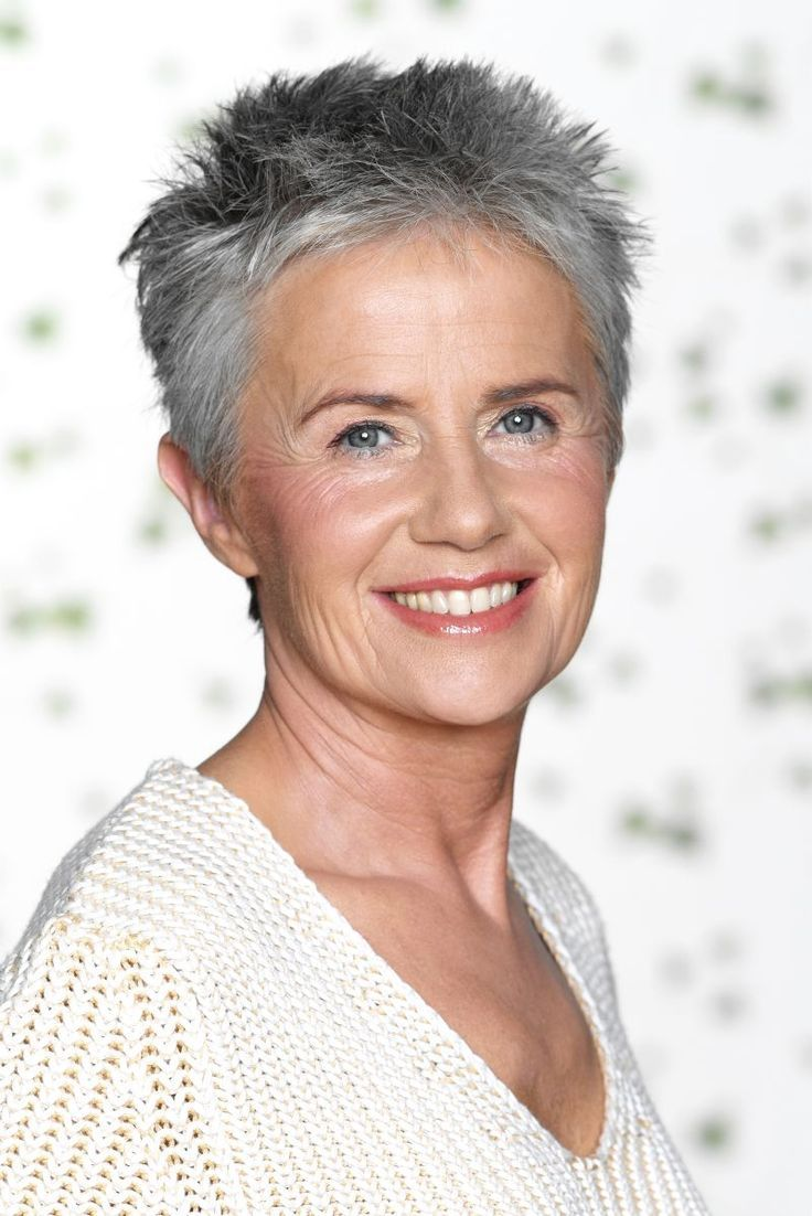 Short womens hairstyles for gray hair - 21 Impressive Gray Hairstyles For Women