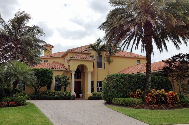 American Architecture With A Mediterranean Flair Hacienda Style Homes Colonial House Plans Spanish Colonial Homes