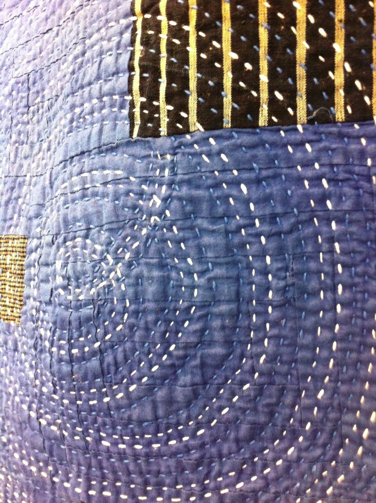 Embroidery stitching in two colors seen at the 2013 Tokyo Quilt Festival; photo by A Quilter at Night