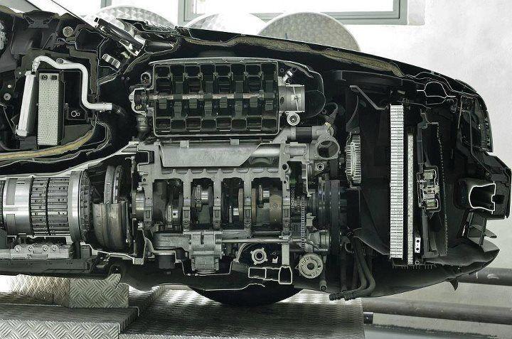 Esto es lo que llamo: La industria automotriz al #desnudo.  #InfernoGarage #fb http://t.co/OX8EBn1