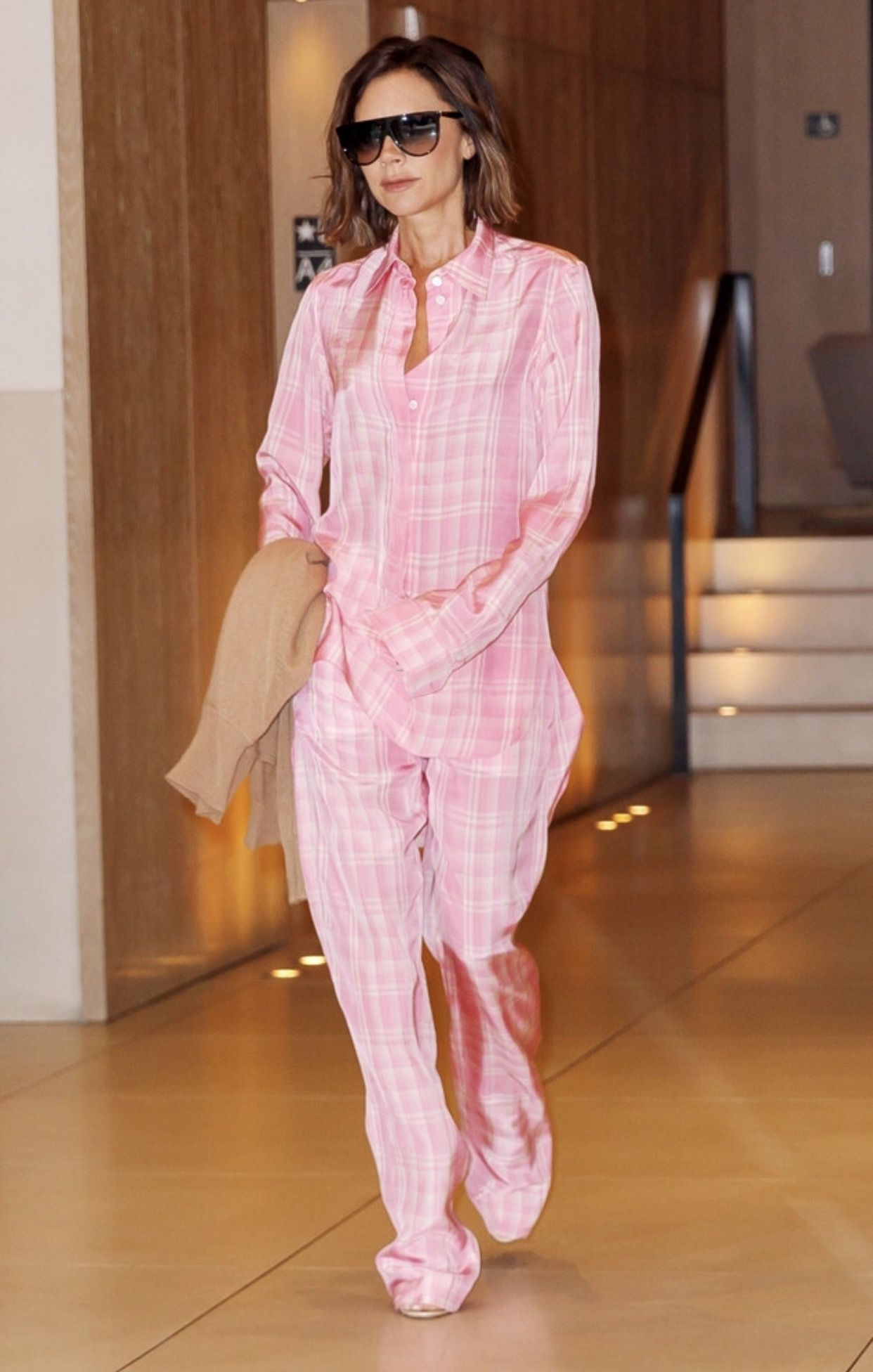 Pin by SOPHIA on VICTORIA BECKHAM | Pinterest | Victoria beckham and ...