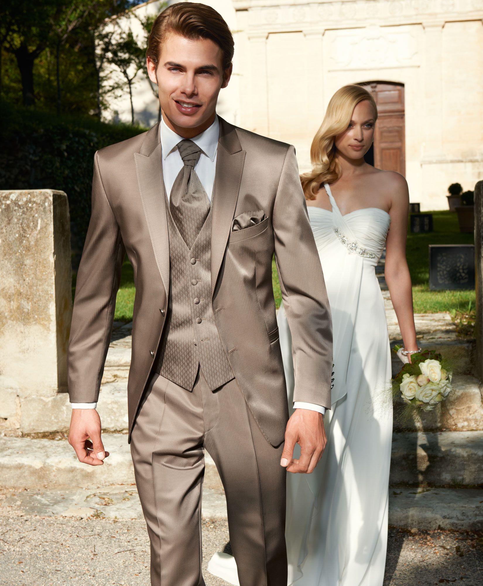 Hochzeit in der Provence Model 12 Hochzeit Anzug