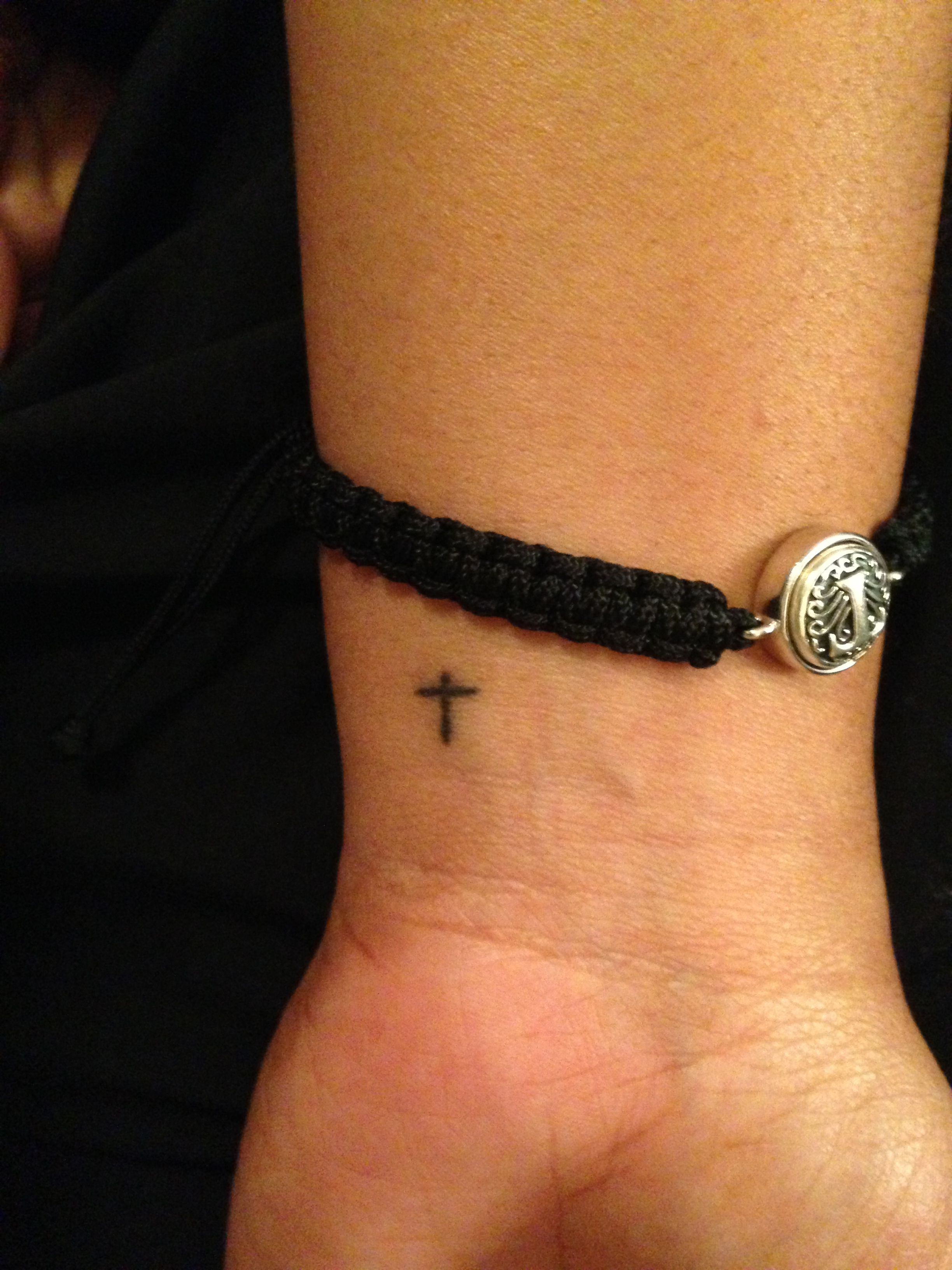 Tiny cross tattoo tattoos pinterest tattoo tatting and