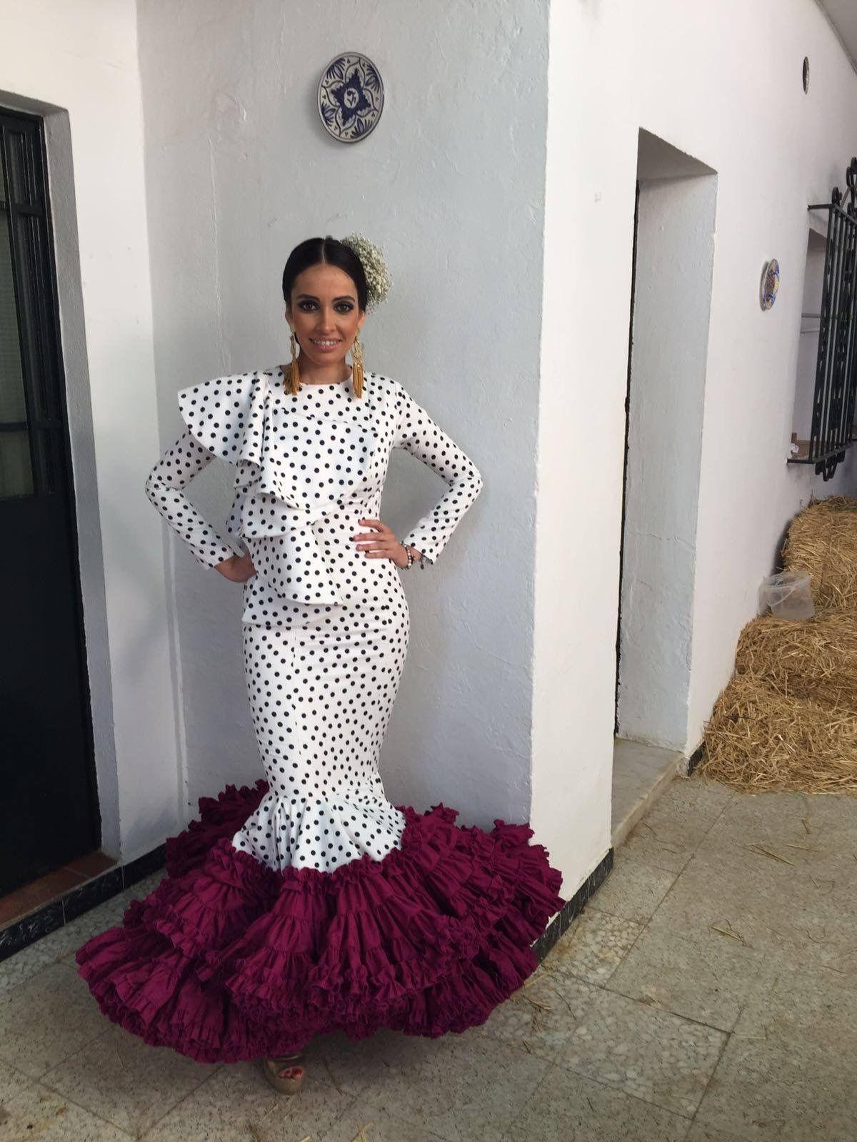 Pin de Isabel Olivares en Flamenca   Trajes de flamenco