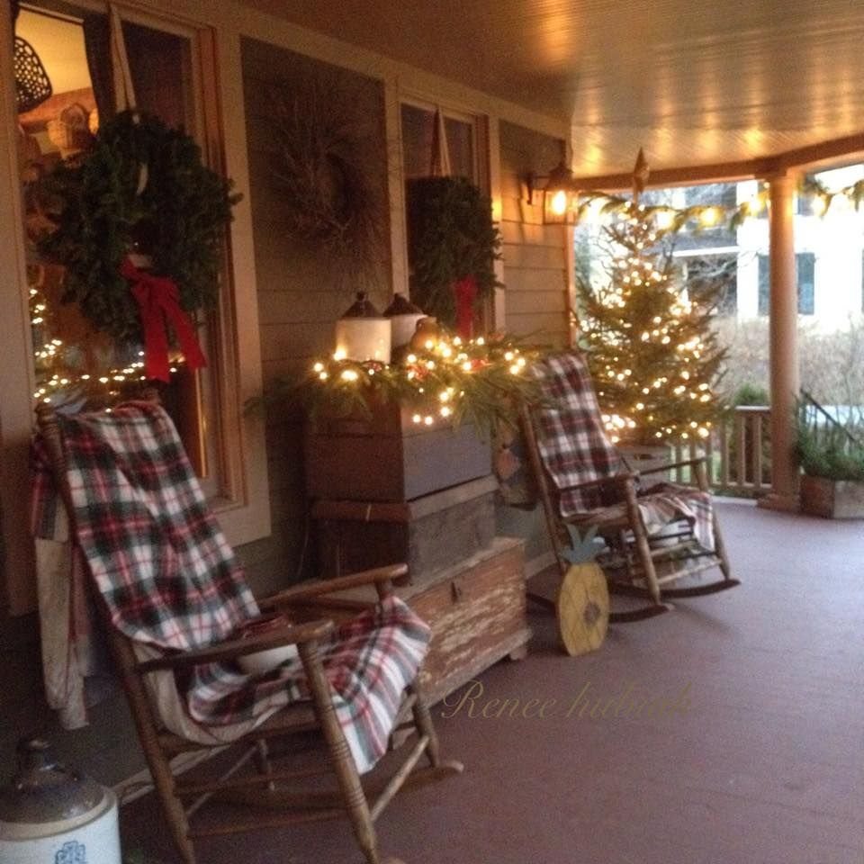 Country Christmas Decor Outside : Renee hubiak s wonderfully festive porch country