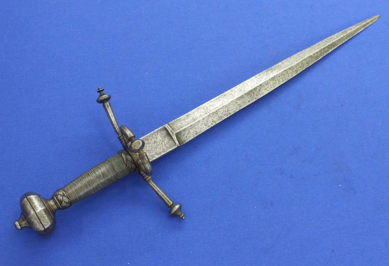 A Very Nice Antique 16th Century German Left Hand Dagger Length