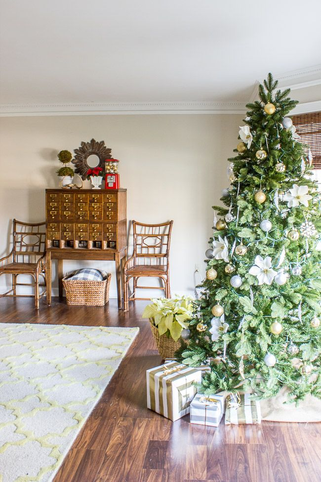 tour holiday collection decorators christmas giveaway hop decor read latest videos