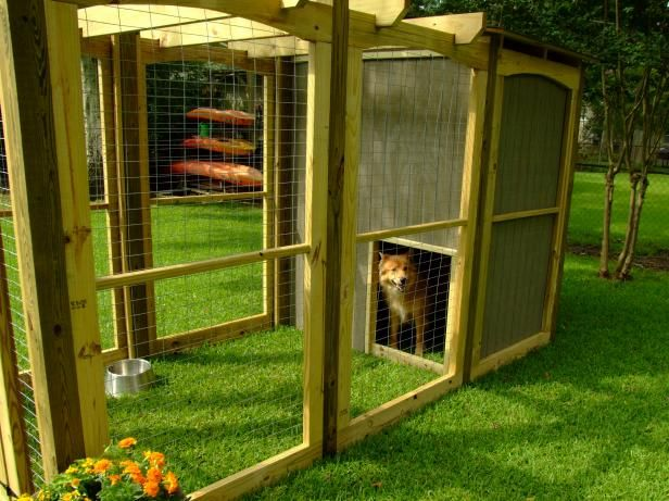 How to Build a Dog Run With Attached Doghouse | Dog houses ...