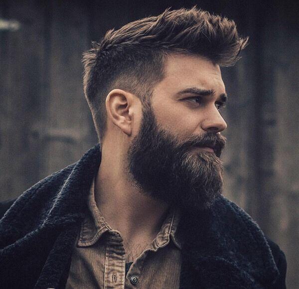 Epingle Par Galeoria Sur Bearded Glory Coiffure Homme Modele Coiffure Homme Cheveux Courts Homme