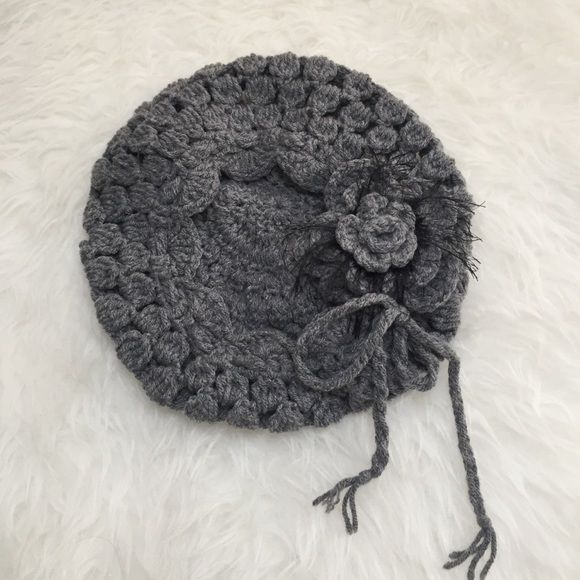 Floral slouchy beret Worn a couple of times. Accessories Hats