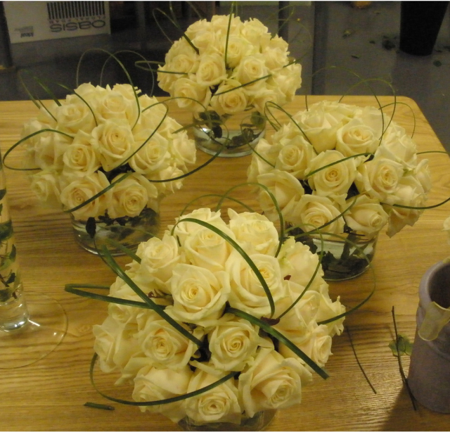 Do this but with white roses instead of light yellow and maybe ...
