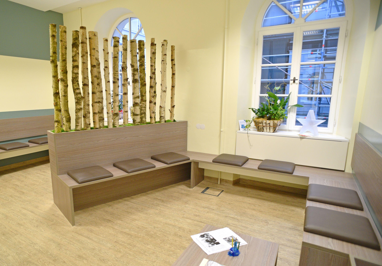 wartebereich f r hunde praxis in 2018 pinterest einrichtung praxis einrichtung und warten. Black Bedroom Furniture Sets. Home Design Ideas