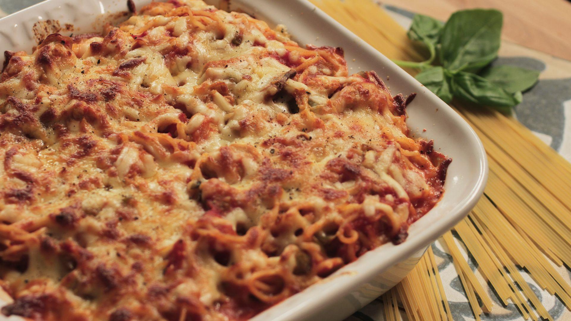 Spaghetti turkey bake. A great alternative way to enjoy turkey.http://bit.ly/1v1nZ2A