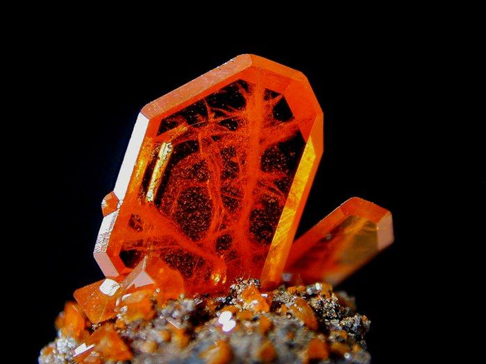 Wulfenite crystals This rich orange red crystal, although not the largest  we've seen, shows amazing transpar… | Minerals and gemstones, Minerals,  Rocks and minerals