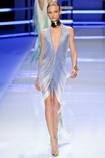 Alexandre Vauthier Couture - so pretty.  I'm not usually a fan of runway stuff.