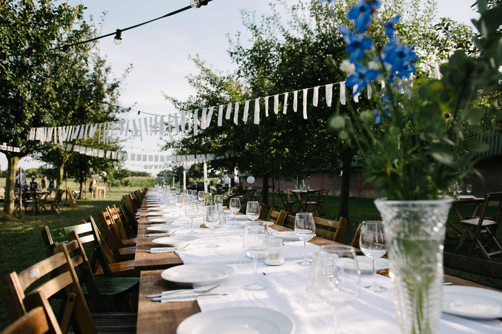 Eten Buiten Lange Tafels Bruiloft Italiaanse Stijl Tafeldecoratie Italiaanse Bruiloft Tafeldecoratie Bruiloft Bruiloft