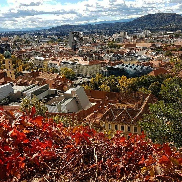 Über den Dächern von Graz #graz #austria #travelgram #travelaustria #traveleurope #österreich #grazcity