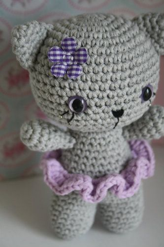 Free pattern of the small cats | Amigurumi | Pinterest | kostenlose ...