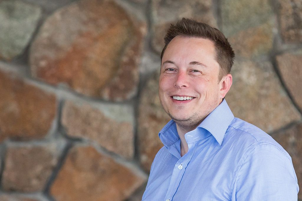 Tesla Ceo Elon Musk Could Become World S First Trillionaire In 2020 Porsche Taycan Tesla Tesla Model S