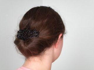 Edwardian hair tutorial!  http://locksofelegance.blogspot.se/2011/04/gibson-tuck.html