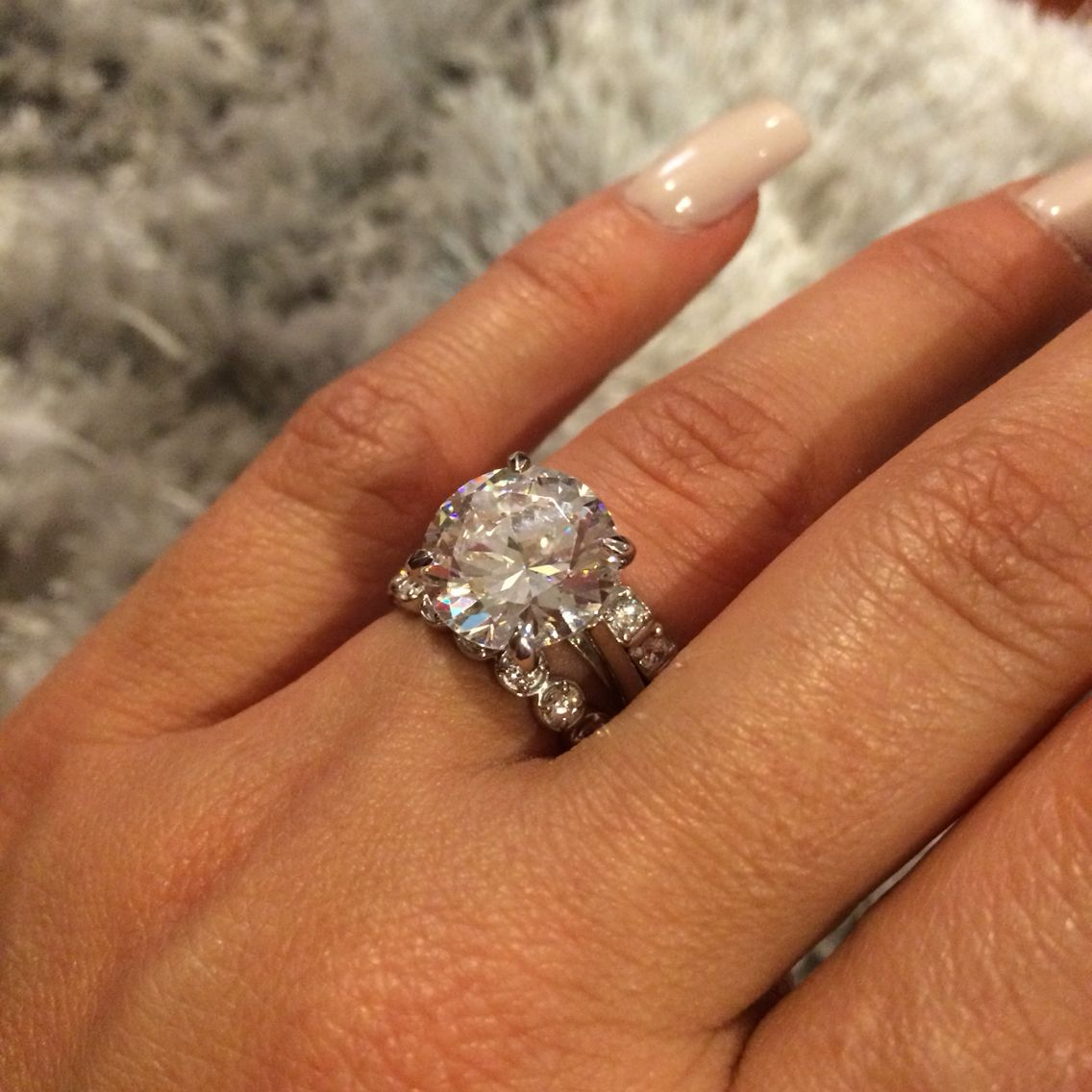 9ct custom made engagement ring with stackable diamond