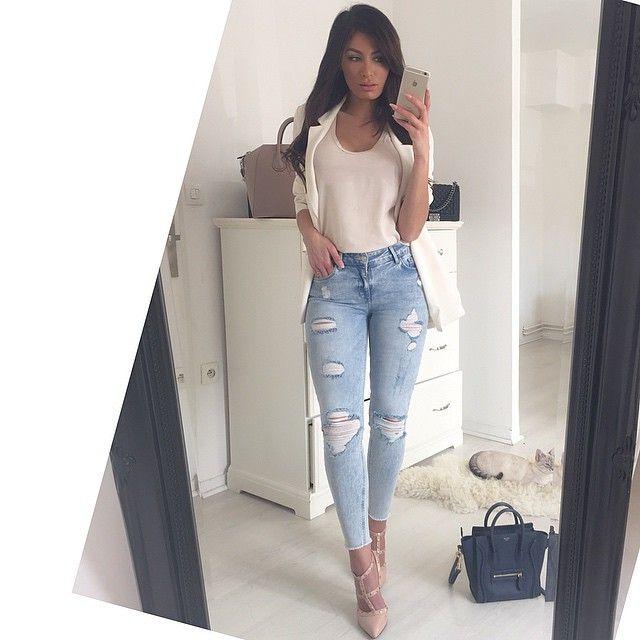 "#ShareIG Nude outfit Jean @mango ""isa"" (pr celles qui ont suivi sur snap ) Top nude @zara_worldwide  Blazer nude @newlookfashion  #inspiration #ootd #outfit #nude #lookbook #fashion #mode #celine #valentino #zara #mango #blogger #fashionblogger #modr"