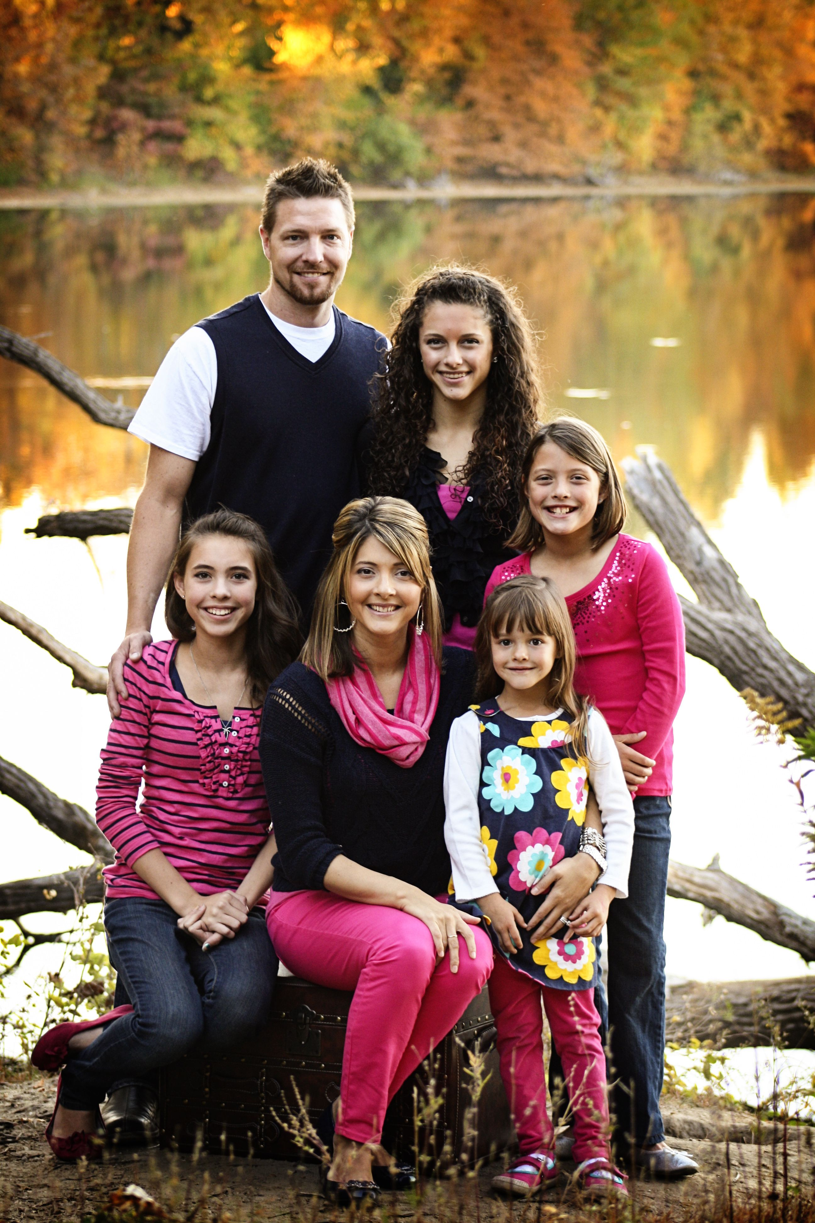 Fall family photos like the black pink white combo