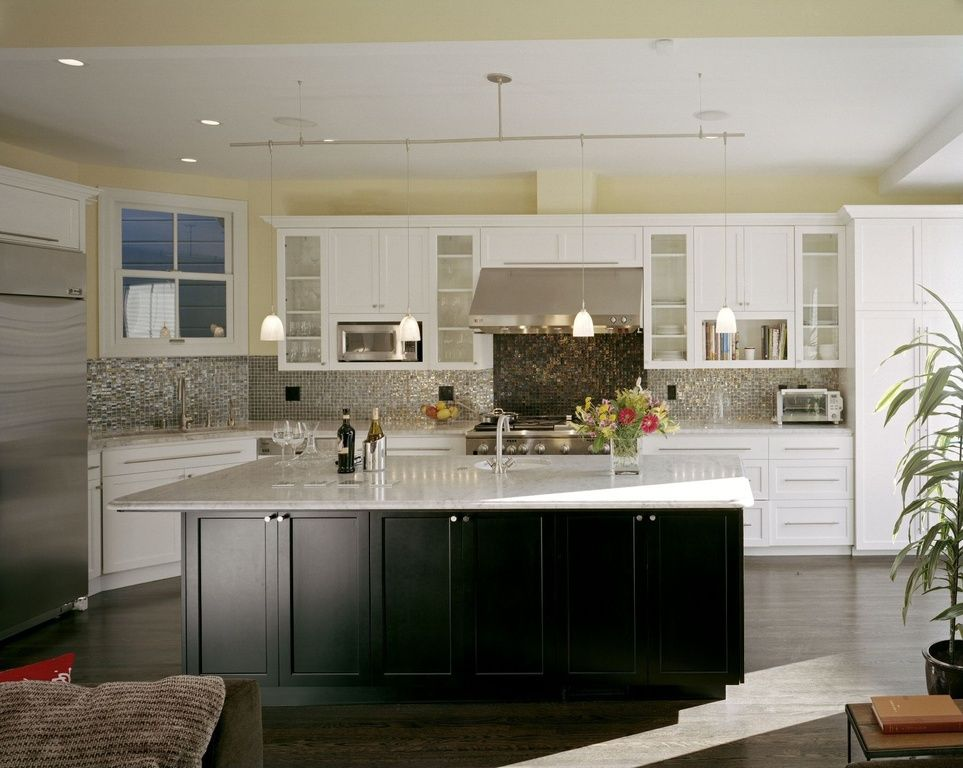 Best Contemporary Kitchen With Flush Flat Panel Cabinets L 400 x 300